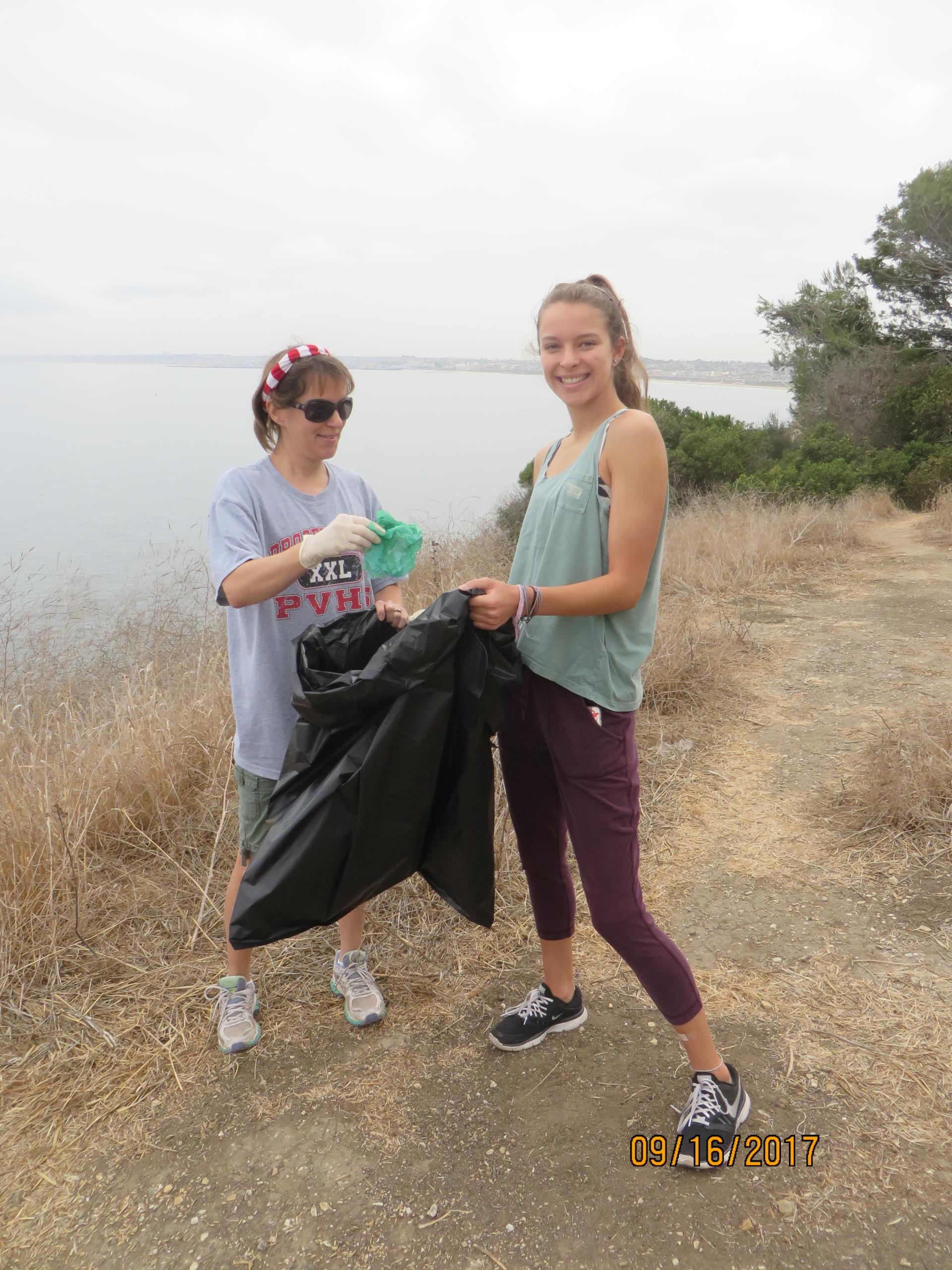 Beach Clean-up 9-16-17 (14)